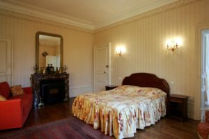 Chateau De Montbraye 13099500 74